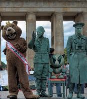 Heidi and spyed in Berlin by arite