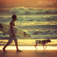 Surfer and his Friend by IsacGoulart