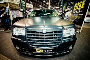 Chrysler 300C Front by miki3d