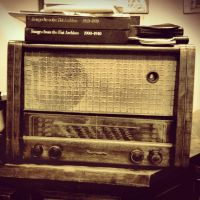 Old Radio by pressurechief