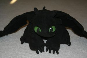 Toothless Plushie by redninjacreations