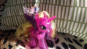 Mom and Baby: Cadence and Flurry Heart by LittleKunai