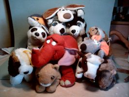 Plushie gang family photo by suthnmeh