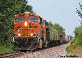 BNSF 5921 leads QGAMAJ 05 Walshville IL by EternalFlame1891