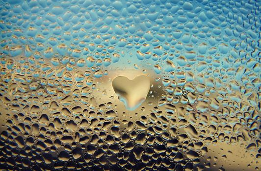 Love and Water Drops by xToxicScreamx