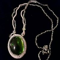 Bead cage around cabochon  by screaminmimi79