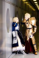 Gilgamesh and Saber, to the wall by hakucosplay