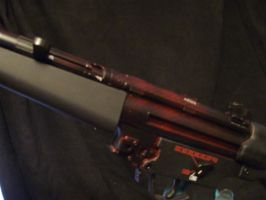 Hellmesh custom paint on MP5 by moose-lee
