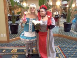 Cosplayers at Roundcon 3 by Kyuubichowderfan