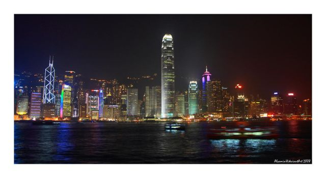 Hong Kong by Night by Alcamin