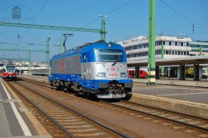 380 002 in Budapest by morpheus880223