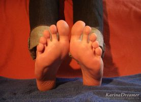My Bare Soles by KarinaDreamer