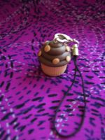 Cupcake Cellphone Charm by alternativeicandy