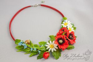 Necklace with wildflowers by polyflowers