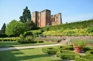 Kenilworth Castle (2) by masimage