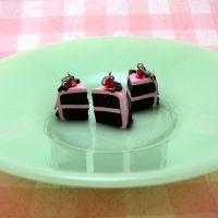 Pink Icing Chocolate Cake set by Miss-Millificent