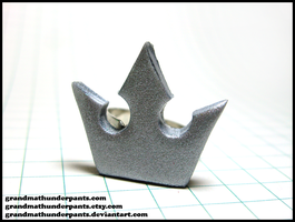 Kingdom Hearts Crown Ring by GrandmaThunderpants