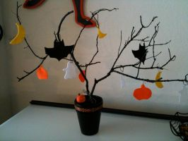 halloween tree by alteredboxes
