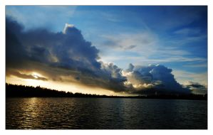 Stormy Sunset 3 by comsic