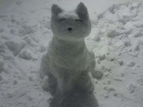 Snow Kitteh by GriffinChimm