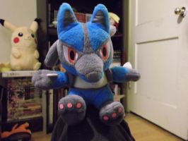Lucario Comic Con Plushie by FlyingLion76