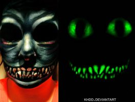 Glow-in-the-Dark Cheshire Cat Makeup by Khdd