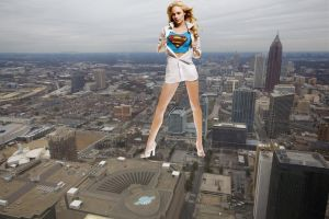 Giantess Laura Vandervoort in town by ilikemercs