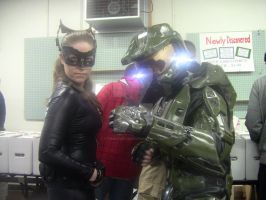Master Chief and Catwoman @ TGACC by StamayoStudio