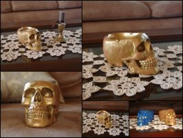 Gold skull ashtray by LaddeDadde