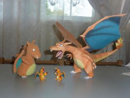 Charizard Papercraft by dustofstarz
