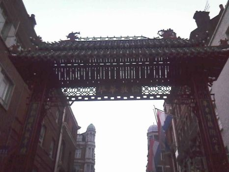 CHinese Arch, London by Westbunny
