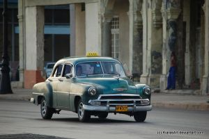 Cuban car by KIARAsART