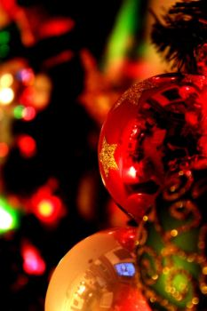 Clolorful Ornaments by musicfairy21