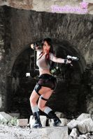 Lara Croft...fight! by Giorgiacosplay