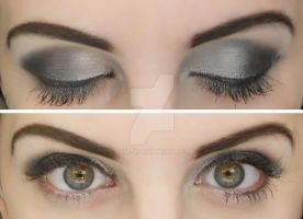 Smokey eyes by Eviie-x