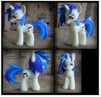 Commission - Vinyl Scratch Fashion Style Custom by Nazegoreng