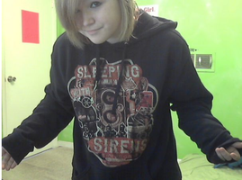 i also got a new hoodie by RiniWold
