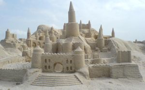 Castle in the sand by qqbin