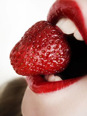 again sexy strawberries by LittleFlair - ` Her TeLden Kar���k G�zel Avatarlar ...