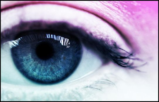 Eye see in Pink by Duncansidea