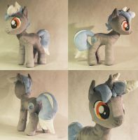 Cold Wind OC Plush by TheGrillosLab