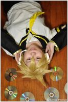 Vocaloid: Len Kagamine by CosplayerWithCamera