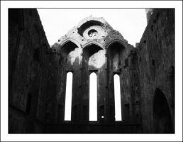 Cashel Cathedral by nihonmasa