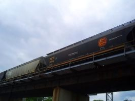 Overhead Train by BLUEamnesiac