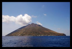 Stromboli by theslider