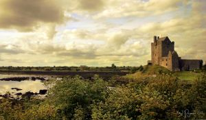 Dunguaire Castle by Pajunen