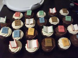 Book Cupcakes by Nimhel