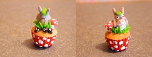 Totoro Cupcake by Xiiilucky13