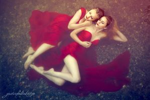 Red summer dream by gestiefeltekatze