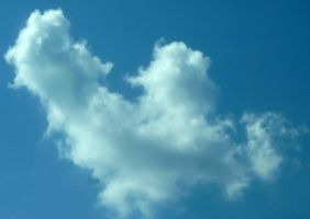 Heart shaped cloud by tomboy47